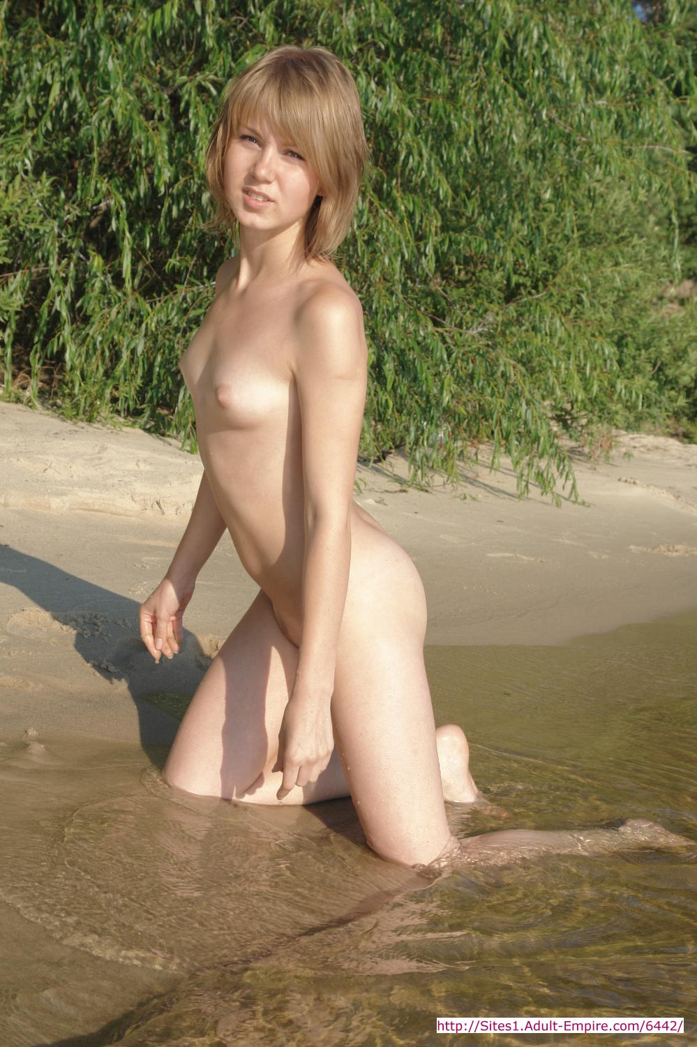 Teens fuck on beach